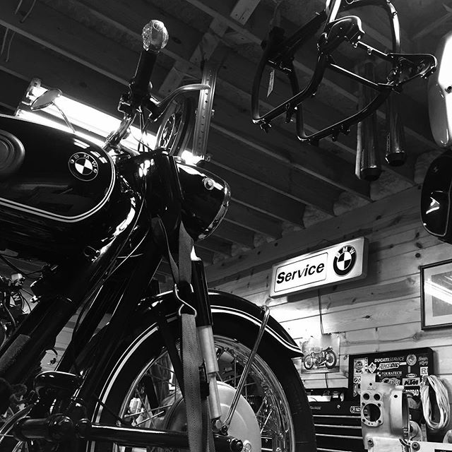 Late night date night with @r51slash3 in the shop prepping for @barbermotorpark vintage festival. #bmwairhead #vintagemotorcycle